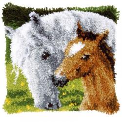 """Набор для вышивания Подушка """"Лошадь и жеребенок"""" 40х40см"""