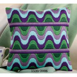 """Набор для вышивания Подушка """"Зелено-сиреневые волны"""""""