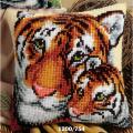"Набор для вышивания Подушка ""Тигрица и тигренок"" 40х40см ""Vervaco"""