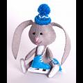 """Набор для шитья игрушки из фетра """"Зайчонок с коньками"""" """"Перловка"""""""